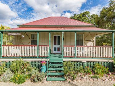 BROOK COTTAGE, BOONAH