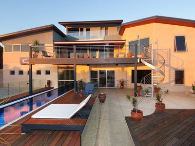 Apartment 2. Downstairs on the pool level with ocean views