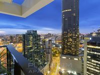 Relax on your PRIVATE Balcony to enjoy the MELBOURNE SKYLINE
