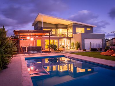 Sunset Vista -Funky Architect Home With POOL