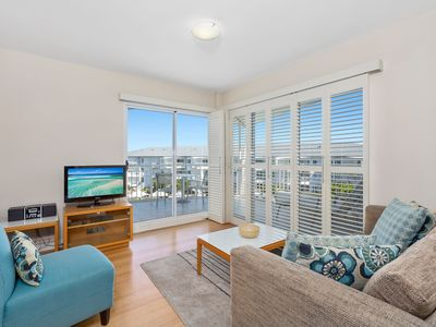 MAN2304 OCEAN VIEW RESORT APARTMENT KINGSCLIFF