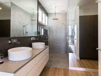 Take a Shower with an Ocean View – Master Bedroom and Ensuite with Walk-In Robe