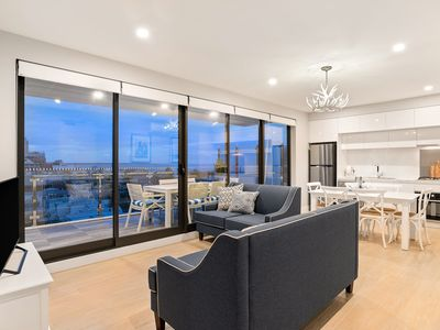 The Hamptons Premier 2 Bedroom Apartment