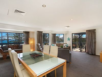 Calypso Plaza Penthouse - Beachfront Coolangatta
