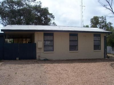 Port Hughes 3 bedroom shack