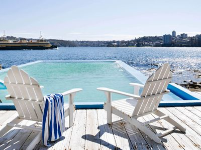 MANLY HARBOUR VILLA - Contemporary Hotels