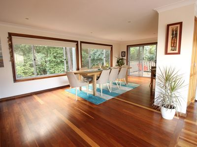 This light filled, spacious beachside home has been beautifully furnished