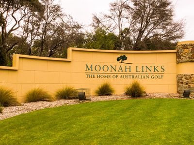Moonah Links Entrance on Trumans Road Fingal