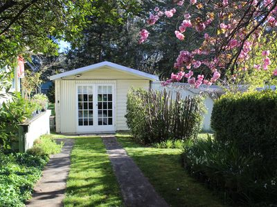 "Maple Cottage ""The Studio"" Trentham"