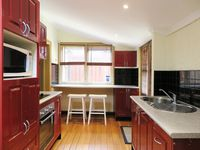 Everything you could need, breakfast bar and full cooking facilities