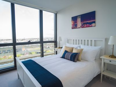 Two BR Apt - Collins St Waterfront, Docklands