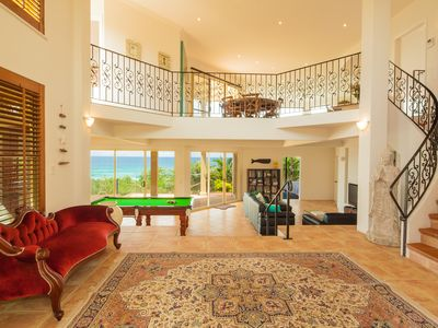 The View Beach House - Commanding Entrance