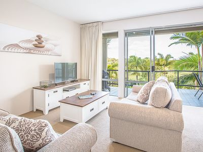 Light & Bright with Fabulous Golf Course Views
