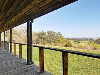 Inala - farm stay with rural views and fireplace