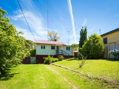 Pet Friendly Beach Cottage -Ballingalla St REF 49