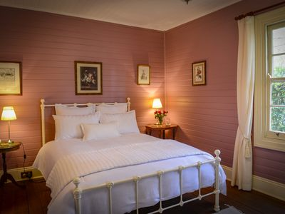 Romantic Bedroom - Rosehill