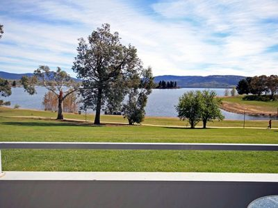 Horizons 414 - Lake Jindabyne Waterfront
