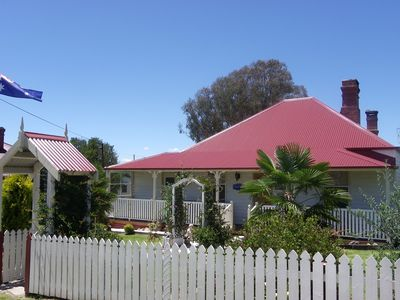Historic Tenterfield Cottage c1895
