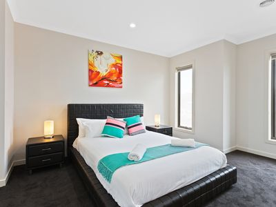 Master Bedroom with Queen Bed and an Ensuite with Shower
