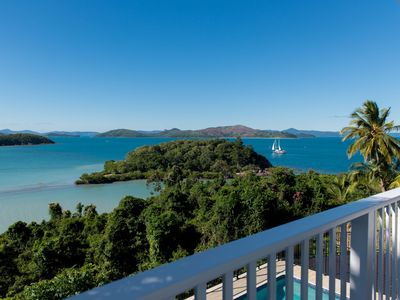 Villa Whitsunday - Waterfront Retreat in Shute Harbour
