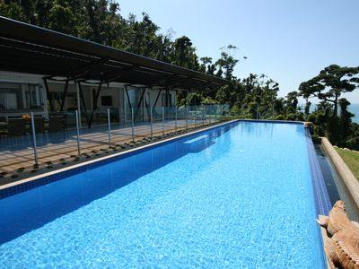 Altitude140 has an 18.5 x 4.5 meter infinity pool.